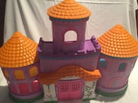 Dora the explorer doll house with accessories  Houston, 77070