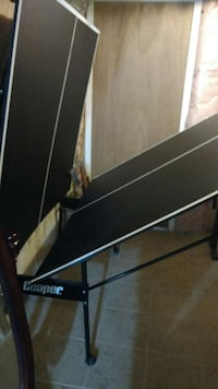 Cooper tennis table with net and 2 rackets Brampton, L6P 2E6