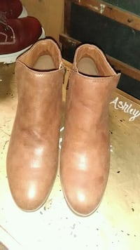 Tan Faded Glory shoes, low cut and zip up the side Killeen, 76541