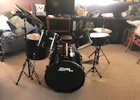 Drum set barely used with stool Crest Hill, 60403