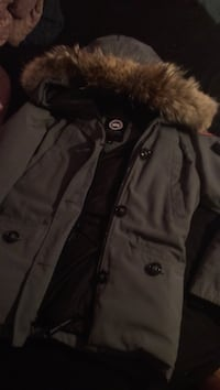 M women's Canadian goose jacket Toronto, M5A 1W5