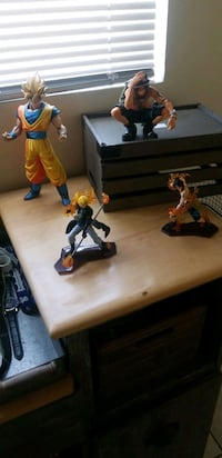 Four resin statues. 3 from one piece 1 from dbz El Paso, 79907