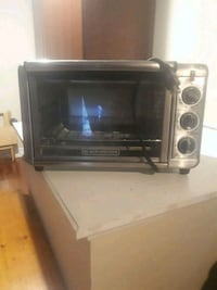 Black and decker mini oven Hamilton, L9H 2J7