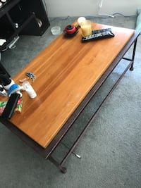 Wood and metal coffee table Seattle, 98104