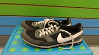 (214A) Boy's Sneakers NIKE Size 6 YOUTH