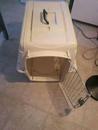 white and brown pet carrier Burnaby, V3N 4K4