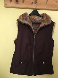 Women's reversible brown vest