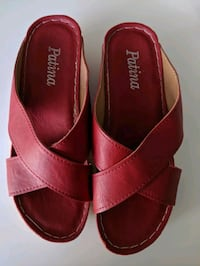 New sandals size 6.5 West Vancouver, V7T 0A1