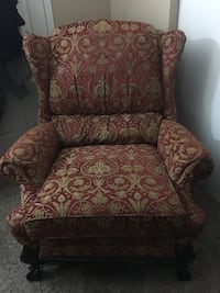 Recliner chair in great condition!