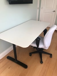 "Office desk in excellent condition (63x31 1/2 "") Boca Raton, 33428"