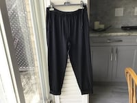 EUC, ladies pull on pants from Lululemon, size 6 , relaxed fit, cuffs at bottom, ankle or just above ankle Brampton, L6R