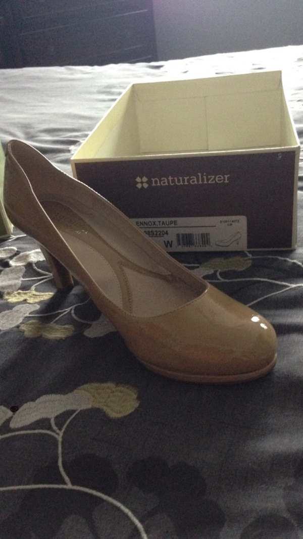 d78166da9f14 Used Nude patent leather heel shoes for sale in Montréal - letgo