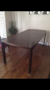 Solid wood extendable dinning table