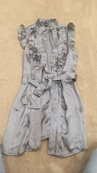 Wet Seal Gray Shimmery belted top. Size small Herndon, 20170
