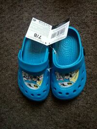 pair of blue-and-white rubber clogs Helsby, WA6 0DL