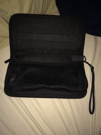 Nintendo SWITCH carrying case, joy cons case, and headphones Centreville, 20121