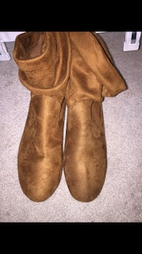 Brown Suede Boots 26 km