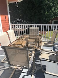 Outdoor table and chairs  Langley City, V3A 5S8