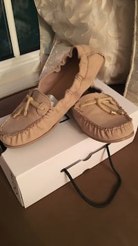 Lightpink Moccasins Burlington, L7P 0P2