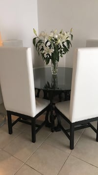 White real wood dinning Miami, 33162