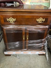 Brown wooden 1-drawer 2 door night stand very good condition,solid wood Fairfax, 22033