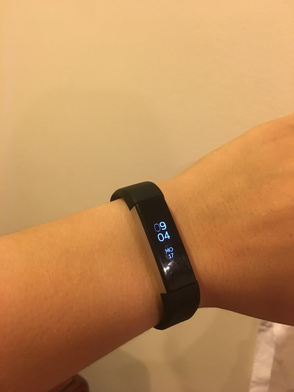 Fitbit Alta HR Heart Rate& Fitness Wristband e1987cc2-73cf-4c20-bf3a-f668cfe8dacd