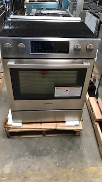 Bosch slide in electric range with convection oven HEI8054U