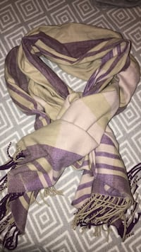 Extra soft Gap purple and tan colour blanket scarf Kelowna, V1W