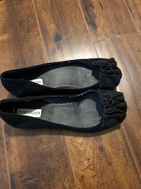 Pair of black leather flats Brampton, L6V 2G8