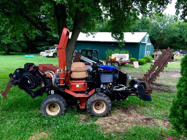 Trencher - Ditch Witch 420SX