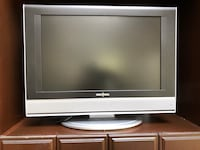 19 inch Tv with built in DVD player and remote . Excellent condition Toronto, M2P 1E4