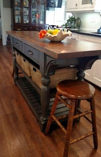 BRAND NEW BUTCHER BLOCK TABLE FOR KITCHEN London