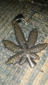 Pot Leaf with chain Waterloo, N2J 1H9