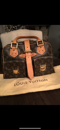 Louis Vuitton purse 207 mi