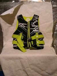 green and black Speedo life vest New Market, 21774