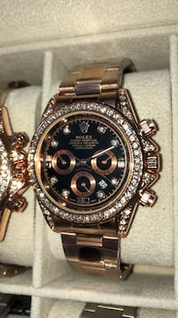 round gold Rolex chronograph watch with link bracelet Brampton, L6P 2R1