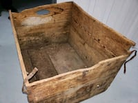 Antiques wood box  Chambly