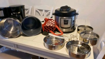 Instant Pot and accessories