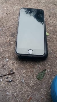 Boost mobile iPhone 6s wanna trade with money