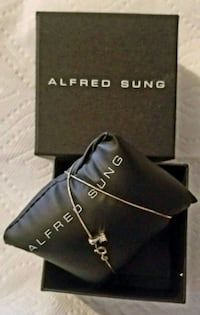 Alfred Sung Gold Necklace & Pendant White Rock, V4B 5M2
