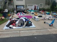 YARD SALE GALLOP TERRACE TIL 6PM TODAY GERMANTOWN  Germantown, 20874