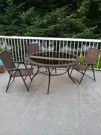 Patio table 3 chairs Coquitlam, V3K 4H4
