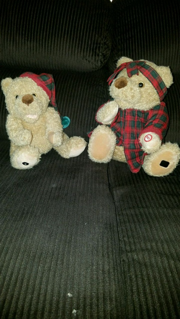 Used 2000 Avon interactive Christmas Bears for sale in Saugerties ...