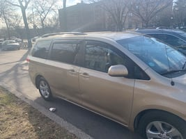 2011 Toyota Sienna Cash Only Serious Buyers Only TLC Car