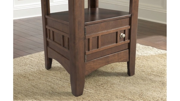 4 seat kitchen table with storage 6 months old! 2d4af98b-d68b-4c06-9112-1b0b143b8ce0