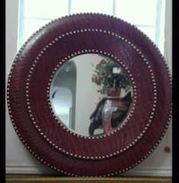 round brown wooden framed mirror Edinburg, 78539