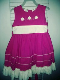 pink and white floral sleeveless dress Reedley, 93654