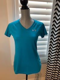 Under armour women's top size small