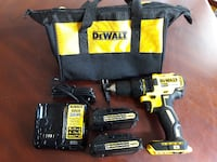 New DeWalt 1/2 in Brushless Drill / Driver 20V Lithium Ion Kit