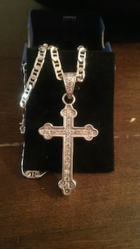 silver-colored cross pendant necklace Keizer, 97303